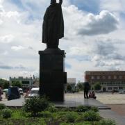 Установленная монументальная скульптура из бронзы фото. Купить монументальную скульптуру в Киеве можно со склада ЧП Прядко; цена монументальной скульптуры, согласно 3д проекта памятника. Гарантия на монументальную скульптуру 10 лет.