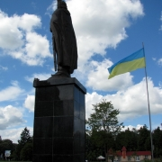 Монументальная статуя из бронзы, высота 7 метров. Изготовление и продажа в Киеве. Цена монументальной скульптуры, согласно 3д проекта памятника.