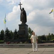 Изготовление монументальных статуй из бронзы, гранита и мрамора в Киеве. Фото монументальной скульптуры Иоанна Путивльского, после установки на центральной площади города Путивль.