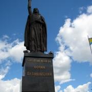 Установленная монументальная статуя фото. Продажа монументальной скульптуры в Киеве, цена доступна. Гарантия на монументальную скульптуру 10 лет.