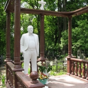 Фото новой скульптуры на кладбище. Создание шедевров из белого мрамора на собственном производстве в Киеве. Размер скульптуры - согласно проекта памятника.