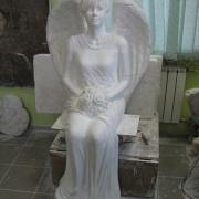 Изготовление фигуры девушки в полный рост в виде ангела, фото сразу после изготовления в цеху. Заказ фигуры в полный рост на могилу, можно сделать в офисе ЧП Прядко в Киеве.