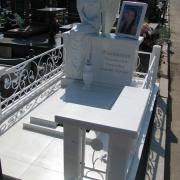 Новая скульптура.  Высота скульптуры для памятника - 176 см. Цена скульптуры девушки - доступна.