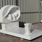 Скульптура из мрамора младенцу. Размеры скульптуры, согласно проекта памятника. Производство детской скульптуры из мрамора в Киеве.