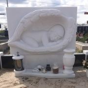 Выбор скульптуры. Фото скульптуры младенца.