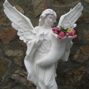 Выбор скульптуры ангелов в Киеве. Статуя ангела из бетона, фото. Высота ангела 140 см., цена скульптуры 39 тыс. грн., всегда в наличии на складе.