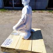 Стоимость транспортировки статуи по Украине - доступна. Ритуальная скульптура - отгрузка со склада в Киеве.