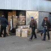 Скульптура ангелов перед отправкой по Украине, фото готовой упакованной скульптуры в деревянных ящиках с сопроводительной документацией и маркировкой.