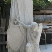 Рабочий момент изготовления ангела. Фото модели ангела в гипсе. Изготовление монументальной скульптуры, от профессионалов в Киеве.