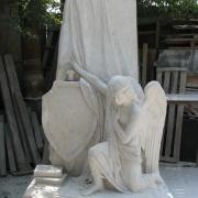 Рабочий момент изготовления ангела в цеху. Фото монументальной модели ангела в гипсе. Изготовление монументальной модели скульптуры, в ЧП Прядко в Киеве.