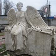 На фото готовая модель ангела из гипса. Изготовление гипсовых моделей ангелов для производства скульптуры. Качественные 3д модели ангелов в Киеве.