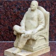 Создание проектов  скульптуры в Киеве класса ВИП. Первоначальное изготовление пластилиновой модели скульптуры с портретным сходством. Изготавливаем первичные макеты композиции - получаем, мраморные фигуры.