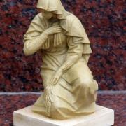 Создание макета для проекта мраморной скульптуры и дальнейшего изготовления модели  - для последующего её перевода в мрамор. Изготовление макетов мраморных фигур с портретным сходством в цеху ЧП Прядко в Киеве сегодня.