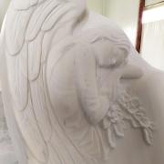 Фото изготовления памятника в Киеве. Памятник с барельефом ангела.