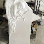 Изготовление памятника с барельефом. Размер памятника: 130 х 70 х 15 см. Стоимость памятника с барельфом - $4,6 тыс.