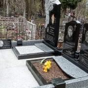 Заказать памятник с барельефом ангела - можно в Магазине Ритуальной скульптуры в Киеве.