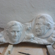Барельефы из мрамора для памятника по фото. Изготовление мраморных барельефов на могилу; цена композиции из мраморных барельефов $4 тыс. Заказать барельеф из мрамора на кладбище, можно в ЧП Прядко в Киеве уже сегодня.