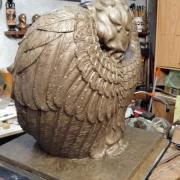Фото модели скульптуры в глине. Размер модели ангела из глины: 54 х 57 х 21 см. Цена ангела из глины - доступна.