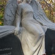 Фото скульптуры из гранита. Фигура женщины из гранита на могиле. Цена скульптуры из гранита, согласно 3д проекту памятника.