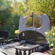 Фото скульптуры ангелов из гранита. Цена монументальной скульптуры - согласно проекта.
