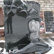 Авторский памятник для кладбища, фото в момент изготовления в цеху. Все детали памятника вырезаны и заполированы вручную. Цена памятника, как и сроки исполнения заказа - от размеров прописанных в проекте.