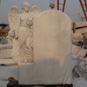 Мраморный ангел для памятника фото на производстве. Изготовление скульптуры ангелов из мрамора в Киеве, фото фигуры ангела в галерее скульптур.
