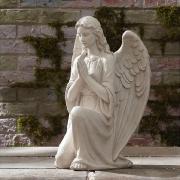 На фото гипсовая модель ангела для памятника. Высота скульптуры ангела 120 см. Цена скульптуры ангела - доступна. Заказ ангелов в Киеве из каталога скульптуры.