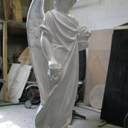 Скульптура ангела. Высота скульптуры - 105 см. Купить скульптуру для памятника, можно в Магазине скульптуры в Киеве.