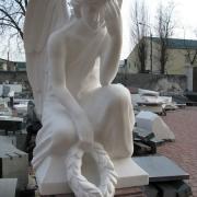 Скульптура ангела. Высота скульптуры ангела - 85 см. Фото скульптуры ангела на производстве в Киеве.
