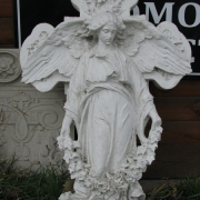 Скульптура ангела с крестом фото. Заказать скульптуру ангела для памятника, вы можете прямо с сайта сейчас.