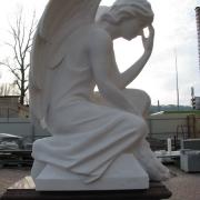 Высота ангела - 85 см. Стоимость ангела - согласно проекта памятника.