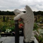 Фото скульптуры с ангелом. Создание 3д проекта скульптуры ангела. Купить скульптуру с ангелом, можно с нашего сайта, прямо сейчас.