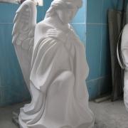Ангел для памятника. Высота скульптуры ангела - 85 см. Цена ангела - доступная.