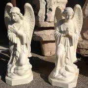 Ангелы из белого бетона на складе; высота ангелов 110 см., цена  статуи ангела 39 тыс. грн. Галерея ангелов в магазине Ритуальной скульптуры, всегда есть в наличии на складе.
