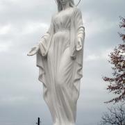 Фото статуи  Божьей Матери. Изготовление качественных  статуй и скульптур . Большой выбор статуй из галереи скульптуры в Киеве. Купить готовую статую можно в магазине Ритуальной скульптуры по ул. Стеценко, 18.