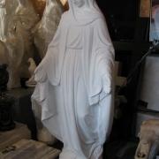 Статуя Богородицы фото в магазине Ритуальной скульптуры в Киеве. Высота статуи 120 см. Размах рук статуи Богородицы 45 см. Цена статуи 11 тыс. грн.