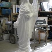 Изготовление ангела для памятника. Высота скульптуры - 105 см. Цена скульптуры в Киеве - 19 тыс. грн.