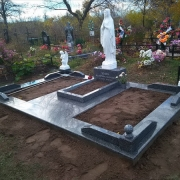Скульптура из бетона - изготовление в Киеве. Высота Богородицы для памятника - 130 см. Цена скульптуры из бетона - доступна.