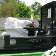 Фото скульптуры льва на кладбище. Производство скульптуры для кладбища в Киеве.