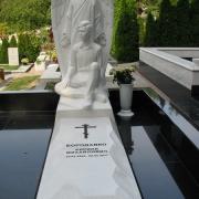 Скульптура с ангелом класса ВИП из мрамора. Стоимость мраморной скульптуры - согласно проекта памятника.