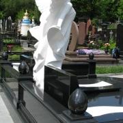 Ритуальный комплекс класса люкс со скульптурой ангела из мрамора. Цена ангела - согласно проекта памятника.