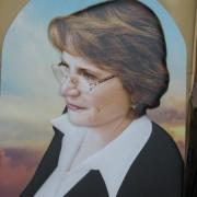 На фото 3д портрет для памятника; размер цветного портрета 40 х 60 см., в форме арки. Изготовление портретов в 3д для памятников. Доступная цена объёмного портрета 6 тыс. грн.