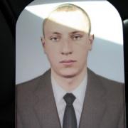 3д портрет на памятник в форме арки. Размеры портрета 3д: 35 х 50 см., доступная цена портрета 3д, от 4,5 тыс. грн. Изготовление объёмных портретов в Киеве, сроком 1 месяц.