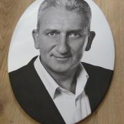 Фото для портрета на памятник. Размеры мужского портрета: 30 х 40 см. Цена портрета для памятника - 1600 грн.