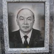 Портрет дедушки на памятнике. Ритуальные портреты на камне ручной работы с гарантией 10 лет.