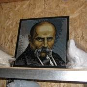 Создание портрета для памятника из мозаики. Стоимость портрета зависит от его размеров и сложности технического задания на изготовление. Цена портрета из мозаики доступна и экономически обоснована.
