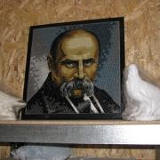 На фото, портрет Шевченко Т.Г. из мозаики. Уникальный портрет на памятник из мозаики.  Профессиональная укладка мозаикой памятников. Цена портрета оговаривается, в соответствии с техническим заданием на изготовление.