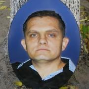 Цветной портрет в овале, размер овала 40 х 60 см., цена портрета для памятника 4,6 тыс. грн., срок изготовления цветного овала 10 дней.
