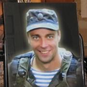 Фото портрета в стекле на памятник. Размеры портрета в стекле на памятник: 40 х 50 см. Доступная цена портрета в стекле 4600 грн.