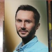 Фото в стекле для памятников, размер 20 х 30 см., цена портрета 2 тыс. грн. Изготовление цветных портретов в стекле с гарантией 10 лет. Заказать портрет в стекле можно сегодня в офисе ЧП Прядко в Киеве.